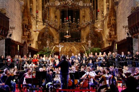 Symphony Orchestra of the Balearic Islands during their performance.